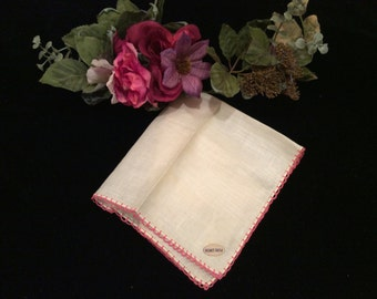 Vintage Ivory Linen with Rose Lace Edging Handerkerchief, Vintage Women's  Hankie, Vintage Accessories