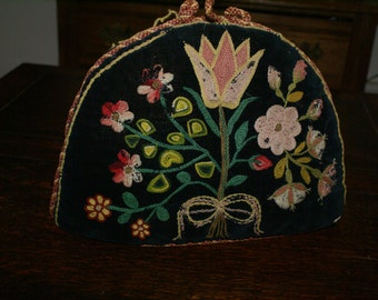 VINTAGE TEA COSY Folk Pattern Embroidery Antique Tea Cozy