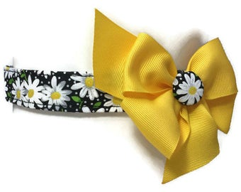 Black and Yellow Daisy Floral Dog Collar size Large