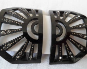 1920's two part bakelite/early plastic buckle with pastes.