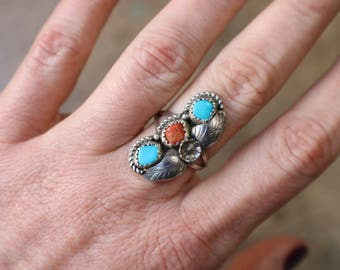 Turquoise Coral Ring / Southwest Triple Stone Jewelry / Vintage Sterling Size 7 Ring