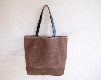Waxed Canvas Simple Tote | Rust Brown