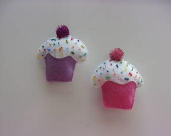 "Set of 2 Handmade Felt CUPCAKE  Magnets 3""h x 3""w Pink and Purple"