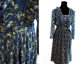 Nautical Glittery Metallic Dragon Print Dress. With Sailor Collar. Blue and Yellow. 1970's Vintage. By Carnegie of London.