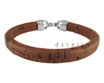 Eco friendly vegetable-tanned Spanish cork bracelet around a leather core - Perfect gif for him sustainably harvested -