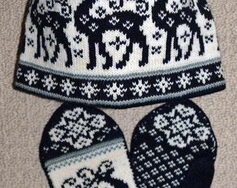 Wool Mittens and Hat set, Norwegian Scandinavian folk art, hand crafted, 100% Wool, Reindeer Snowflake Fair Isle  Fur Pompom