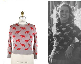 WEEKEND SALE 1940s Sweater // Elephant Intarsia Red and Grey Novelty Knit Sweater by Glengarry