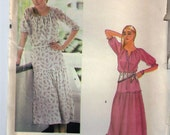 VINTAGE 70's VOGUE PATTERN #7969~Misses Peasant Dress-Loose-Fitting Ankle Length Dress Misses Sz 6 or 10 or 12 Uncut Factory Folded