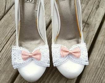 Shoe Clips, Wedding Shoe Clips, Clips for Bridal Shoes, peach, white,  lace shoe clips,  peach wedding shoes clips, lace bows, white  lace