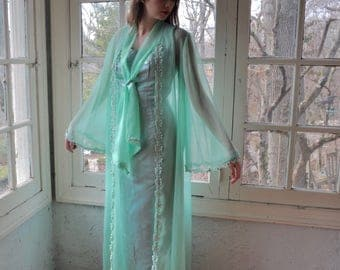 Mint Green Chiffon Dressing Robe/Vintage 1960s/Lingerie Chic Sheer Dressing Gown/Full Sleeves/Size Small
