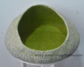 Natural gray cat bed , Wide opened felt pet bed , Felt cat bed , Felted pet bed , Pet bed