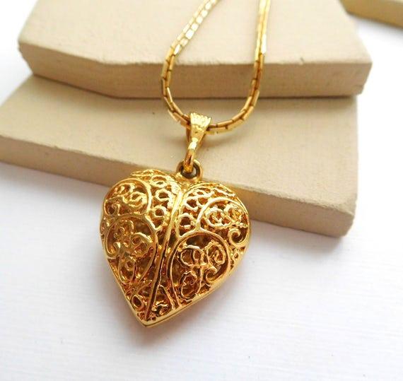 Vintage Signed Korea Gold Tone Metal Filigree Puffed Heart Pendant Necklace F40
