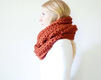 SPRING SALE the ALBERTA cowl - chunky crochet infinity scarf - spice