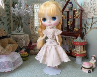 Blythe/Pullip dolls dress,Blythe hollyday outfit,Blythe/pullip clothes.Blythe great gift,Blythe cotton embroidered.One of a kind.