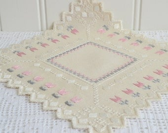 "Small hardanger doily, vintage Swedish pink, grey and white embroidery, small tablecloth 10"" x 10 """
