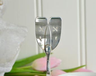 Dainty cookie and pastry serving tongs, vintage sandwich server, silver plate