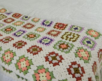 VTG Granny Square Afghan/Blanket with White Background 47 X 63