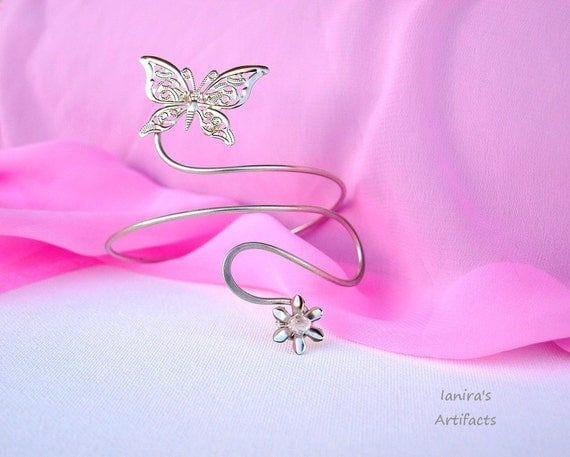 Butterfly arm cuff