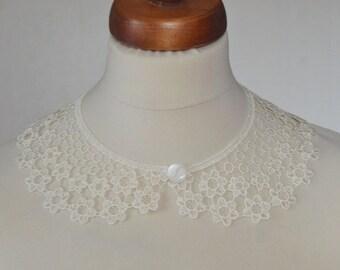 Ecru Peter Pan Collar, Ecru Detachable Collar and  button,  Cotton, Lace Collar, Lace Necklace, Detachable Collar Necklace, gift for her