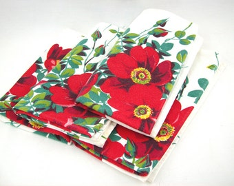 Vintage Cloth Napkins Set of 4, Red and Green Floral, Mid Century Holiday