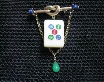 Mahjong pin/brooch using mini Mahjong tile