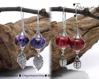 Leaves and bugs - Earrings lampwork beads