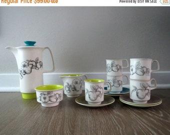 50% SALE 13 Piece Crown Devon Fieldings Tea Set
