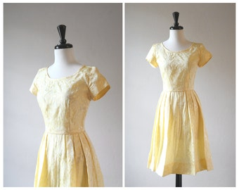 Beautiful 1950s Vintage Pale Butter Yellow Fit and Flare Floral Taffeta Dress