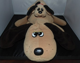 Two vintage pound puppies 1986 newborn Mom and baby