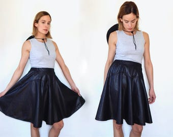 vintage black leather skirt flared skirt circle skirt 80s leather skirt black fake leather country western cowgirl above the knee skirt M