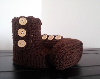 Crochet button up baby booties