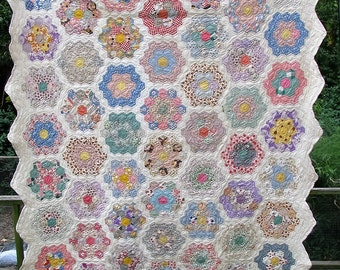 Quilt - Vintage 1940's Grandmas Garden Hand Quilted - Never Used - Vintage Quilt - Quilt Rescue