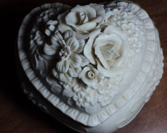 Heart shape box in bisque