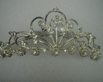 Lovely Vintage Rhinestone Tiara, Prong Set Rhinestones, Silver Tone, Clear Rhinestones, Bridal Tiara, Prom Tiara