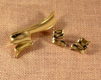 Avon Gold Tone Golden Ribbon Brooch and Pierced Earrings - Vintage 1996