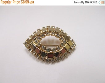 On Sale Vintage Gold Tone Prong Set Rhinestone Pin Item K # 404