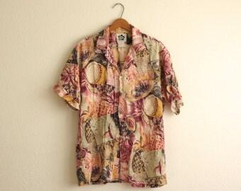1980s Hilo Hattie Pink Pastel Tropical Floral Print Button Down Short Sleeve Shirt | Size Large
