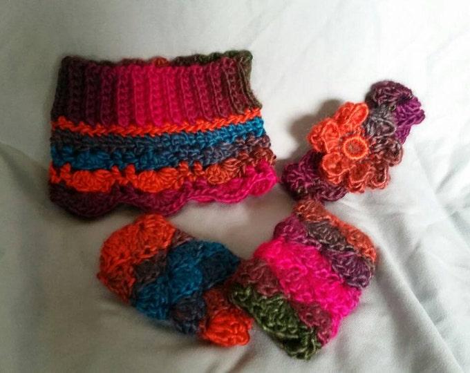 Beautiful newborn size headband, skirt and legwarmers