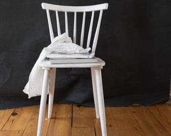 White Chair (Pair)