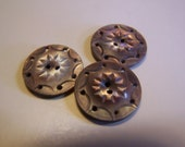 """Pretty Antique 5/8"""" Gray Oyster Pearl Iridescent Carved Shell Buttons, Set of 3 (1687)"""