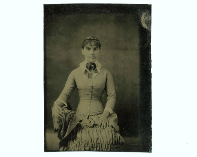 Tintype 1/6 Plate Antique Portrait Photo: Young Woman, 1800s (611518)