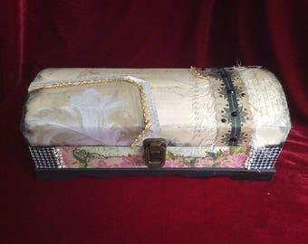 Wine sized treasure box