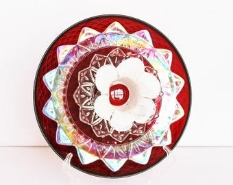 """Glass Plate Flower Garden Art """"Cupid's Target"""" Red Iridescent / Vintage Glass Yard Art & Painted Stake / Share Your Love Mother's Day Gift"""