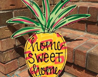 Pineapple door hanger with home sweet home