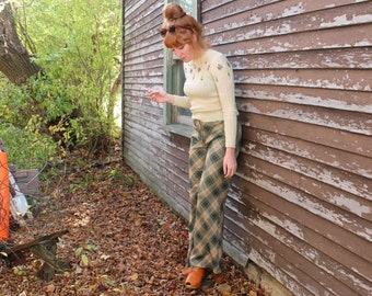 70s Mod Plaid KNIT PANTS Vintage Bell BOTTOMS High Waisted Woman Medium Small Size 12 Khaki Tan and Hunter Green Spring Fall Preppy Trousers
