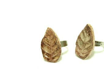 Ceramic brown leaf adjustable ring, personalized ring, handmade modern ring, ceramic jewelry, sculpture ring, art to wear jewelry