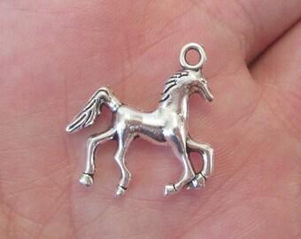 5 x Horse Charm Pendants Antique Silver 22mm x 22mm