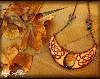 MAGICAL MOON Pendant - totally handmade with pure and original Labradorite and avventurina stones