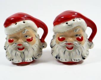 Vintage Santa salt and pepper shakers - collectible salt and pepper shakers - Vintage Kitchen Collectible - Santa