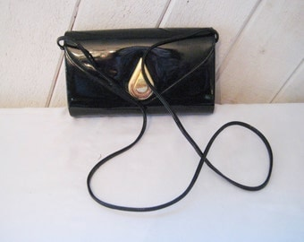 Black patent leather handbag, small black leather crossbody purse, barrel purse, 70s 80s, bags and purses, Emp Orr, 1435